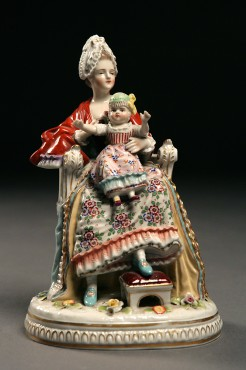 Lady with a Child | Porcelain