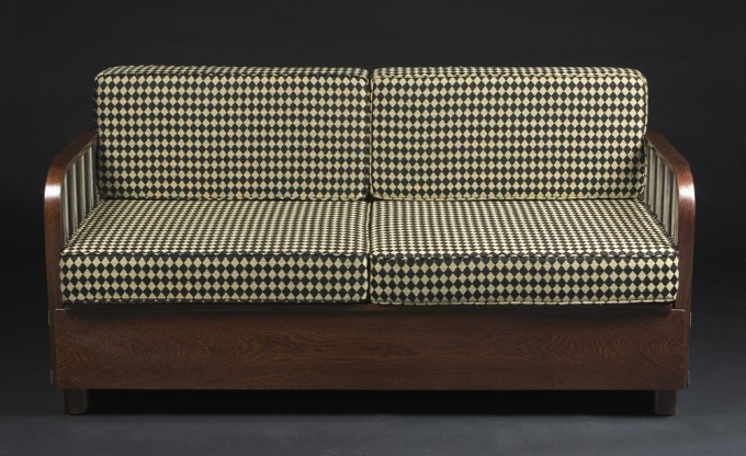 Functionalist Sofa H-215 | 1900 - 1950